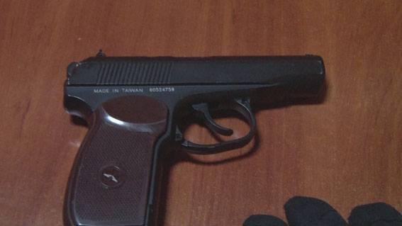 Пьяный размахивал пистолетом в кафе (ФОТО, ВИДЕО)