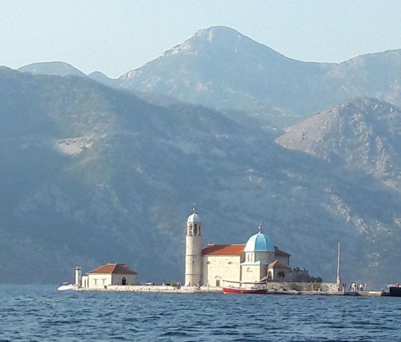 Паломничество в Черногорию: какие храмы лучше посетить?