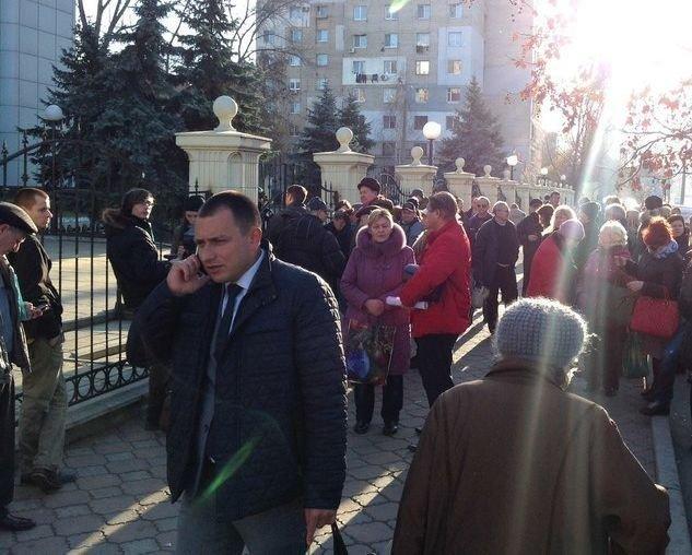 В Одессе почтили память героев, разрушили палатку и эвакуировали полсотни человек