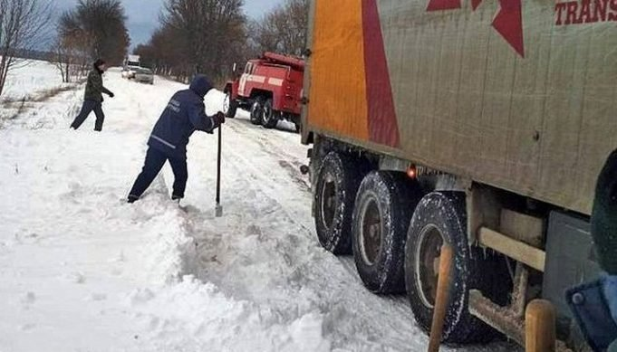В Одесской области ограничили движение всех видов транспорта