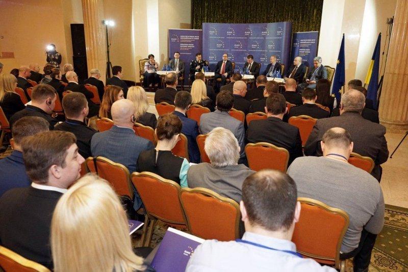 Евросоюз теперь будет консультировать в Одессе (ФОТО)