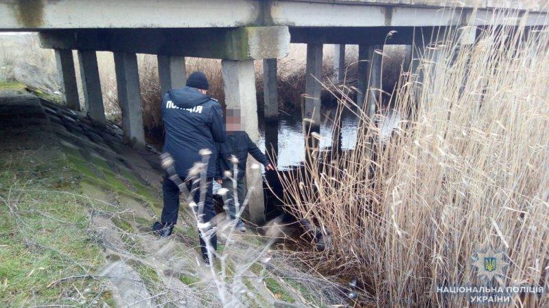 Труп под мостом возле Севериновки (ФОТО, ВИДЕО)
