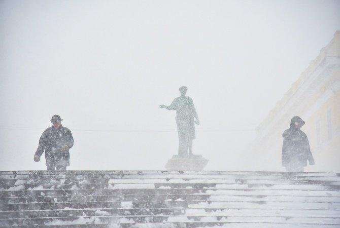 Штормовое предупреждение: на Одессу надвигается еще одна снежная буря
