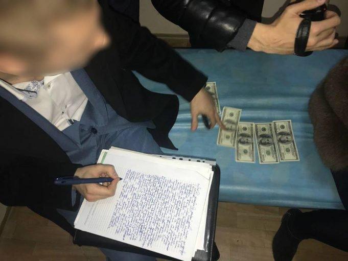 Одесситка дала деньги, чтобы ее отца поместили в психбольницу