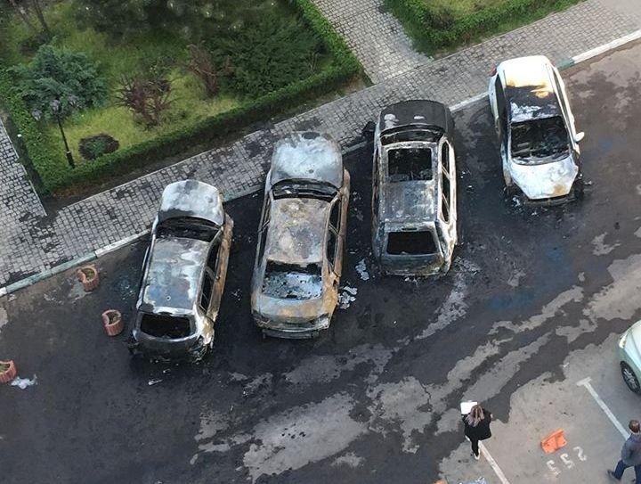 В Одессе сгорели 4 автомобиля (ФОТО)