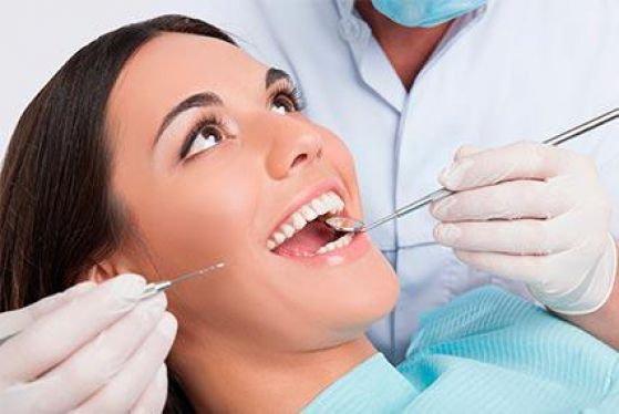 Протезування на зубних імплантах