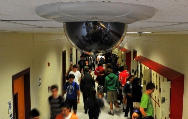 «Реалити» в одесских школах: кто и зачем устанавливает видеокамеры в учебных заведениях?