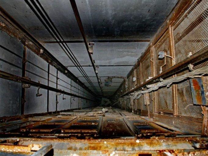 Сотрудник одесского роддома упал в шахту лифта