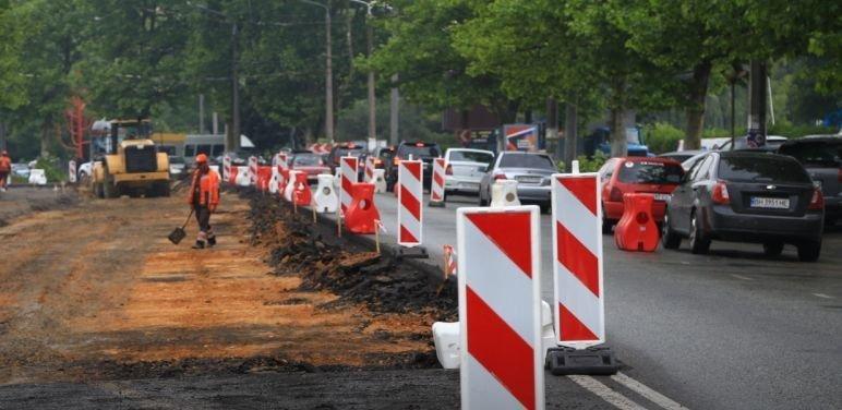 Пробки из-за ремонта на проспекте Шевченко продлятся ещё месяц