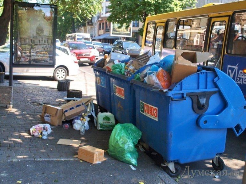 В Одессе обострилась ситуация с вывозом мусора