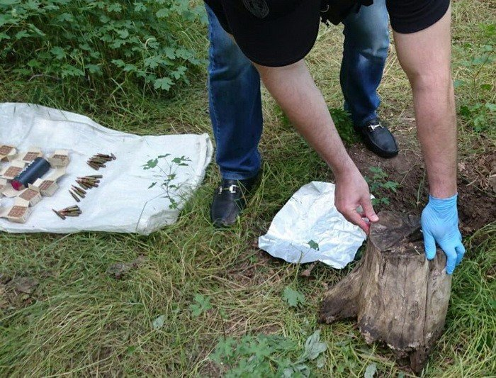 СБУ обнаружила два тайника с боеприпасами (ФОТО)