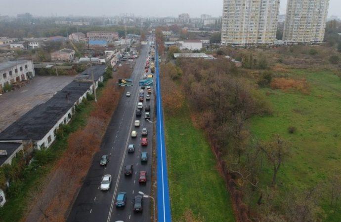 Тротуар и велодорожку на Краснова восстановят к Новому году