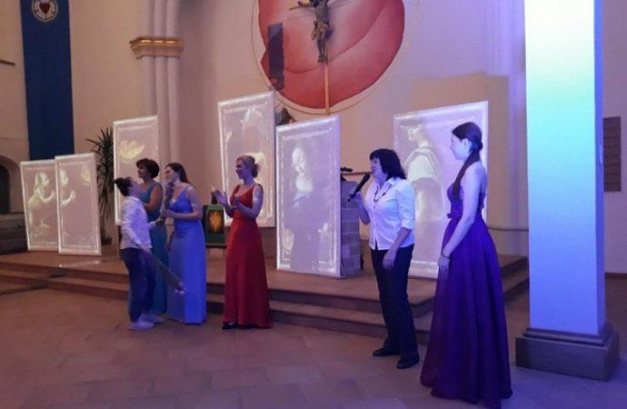 В Одессе изображения Девы Марии «перемещались» под музыку органа (ФОТО)