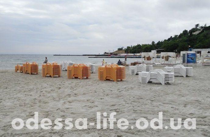 Три пляжа Одессы лишатся временных сооружений на песке