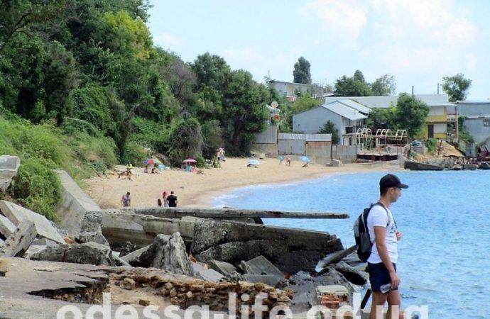 Пляж в Черноморке для любителей руинного экстрима?
