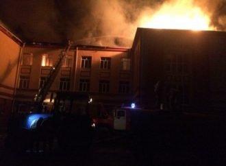 Горевшая ночью школа в Балте не прошла проверку на противопожарную безопасность