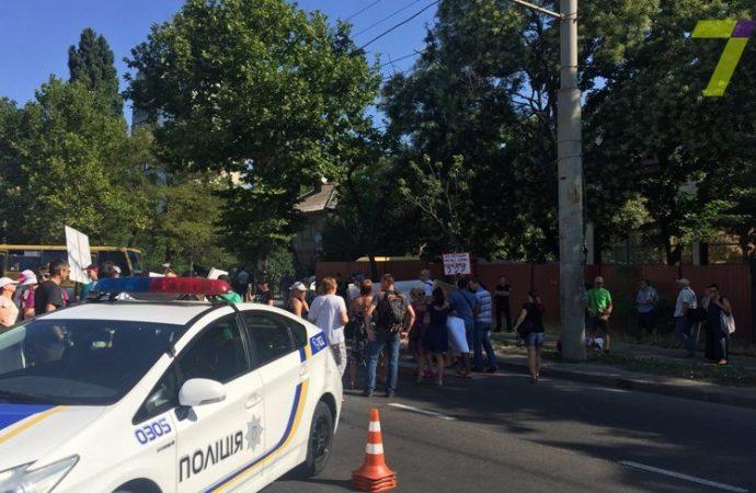 Обманутые инвесторы утром перекрывали улицу Грушевского
