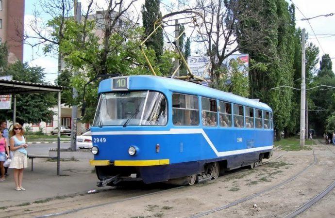 Движение по участку улицы Ицхака Рабина на две недели перекроют, а 10-й маршрут трамвая остановят