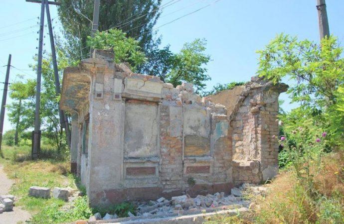 Одесский краевед призывает остановить массовое уничтожение элементов городского дизайна XIX века
