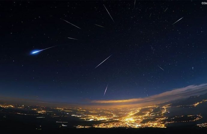 Несколько ночей одесситы смогут считать падающие звезды