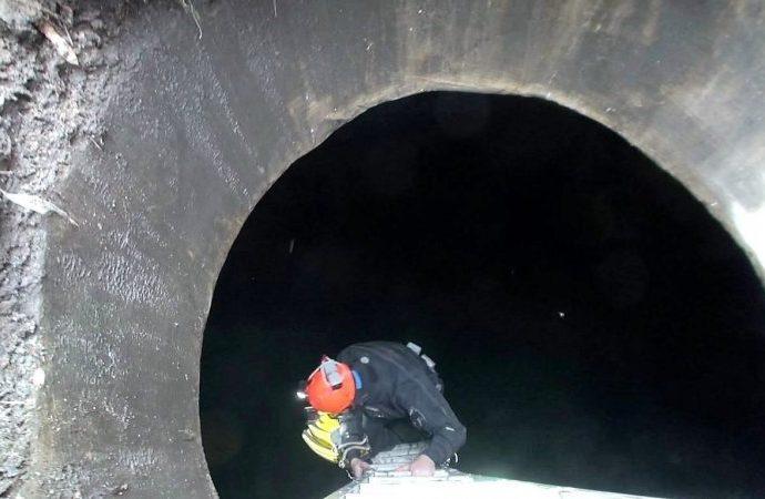 Одесский спелеодайвер раскрыл тайну двух водоемов в арке на Софиевской (ФОТО)