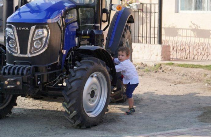 Зачем училищу трактор, или Реформа образования в деле на примере одного поселка