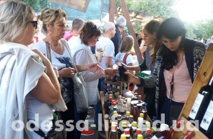 Выходные в Одессе прошли под эгидой вина, сыра, меда и хорошего настроения (ФОТО)