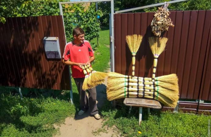 Рекордный веник высотой с двухэтажный дом свяжут на Одесчине
