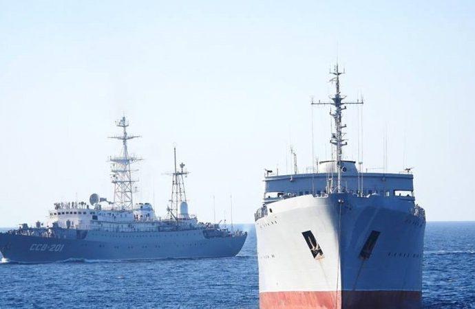 Военные корабли из Одессы перебазировались в Азовское море – они прошли Керченский пролив (ФОТО)