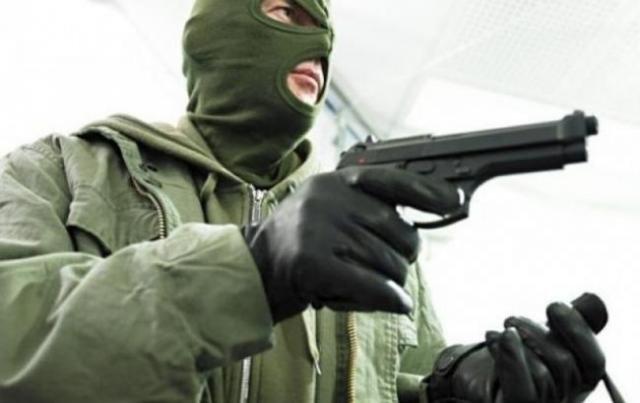 Взять под стражу: суд избрал меру пресечения подозреваемым в нападении на инкассаторов