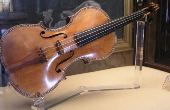 Как «под заказ» украли скрипку Страдивари, подаренную Давиду Ойстраху королевой Бельгии