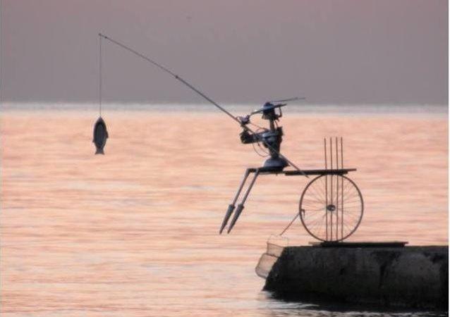 Сильный шторм на Ланжероне сорвал «Рыбачку Соню» в море