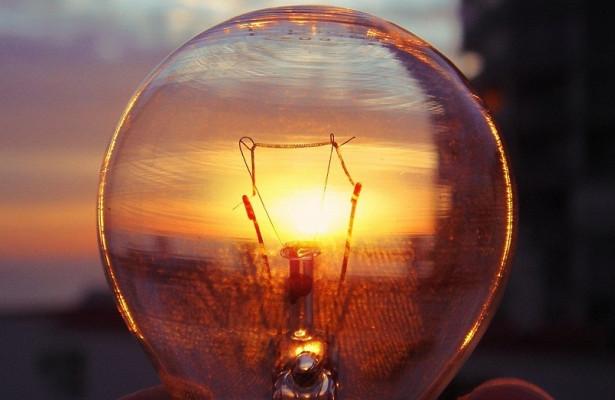 Сегодня свет будут отключать во всех районах Одессы