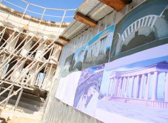 Воронцовская колоннада: непригодный ракушечник заменяют камнем из Красноокнянского карьера