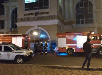 "Пожар на ""Черноморце"" тушили 10 расчетов спасателей (ФОТО, ВИДЕО)"