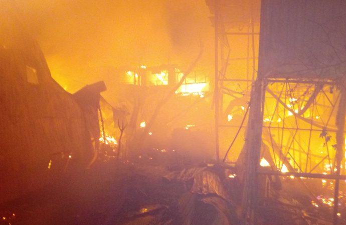 Названа причина сильного ночного пожара в Черноморке
