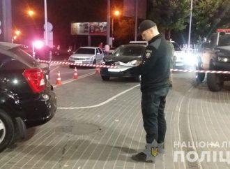 Автомобиль одесского активиста обстреляли на Люстдорфской дороге