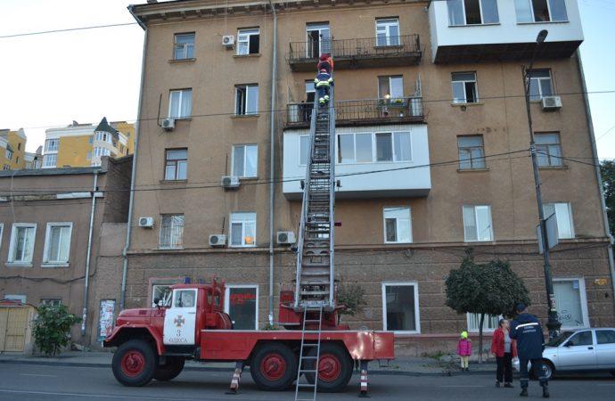 У одесских спасателей нет лестниц для тушения пожаров на верхних этажах небоскребов