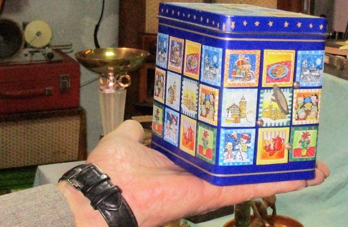 Раритеты с эксклюзивными голосами: в Одессе представили коллекцию музыкальных шкатулок (ФОТО)