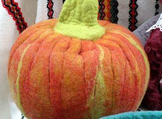Хеллоуин-мейд, медовуха и Кришна-ланч собраны на трёх ярмарках в одесском парке (ФОТО)