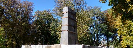 Реставрация склепа Котовского в Подольске обошлась в 116 тысяч гривен