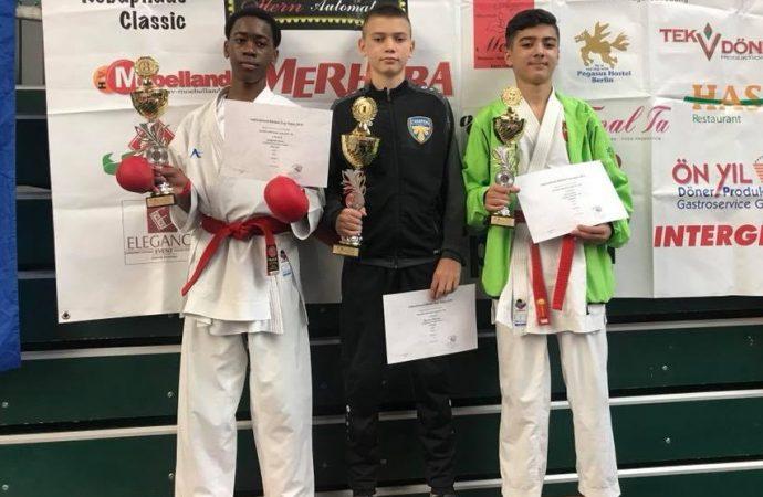 Юные одесские каратисты завоевали три «золота» на турнире «Banzai Cup»