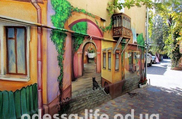 Ворота нескольких домов на Мясоедовской превратились в художественные «полотна» (ФОТО)
