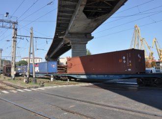 Прямой контейнерный поезд соединил Одесский порт со столицей