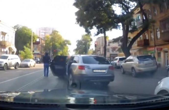 Задержаны подозреваемые в дерзком ограблении авто в центре города (ВИДЕО)