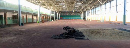Ремонт в «Олимпийце» успешно совмещается с тренировками легкоатлетов (ФОТО)