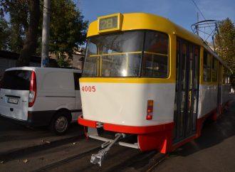 Два человека пострадали при столкновении «Тойоты» с трамваем
