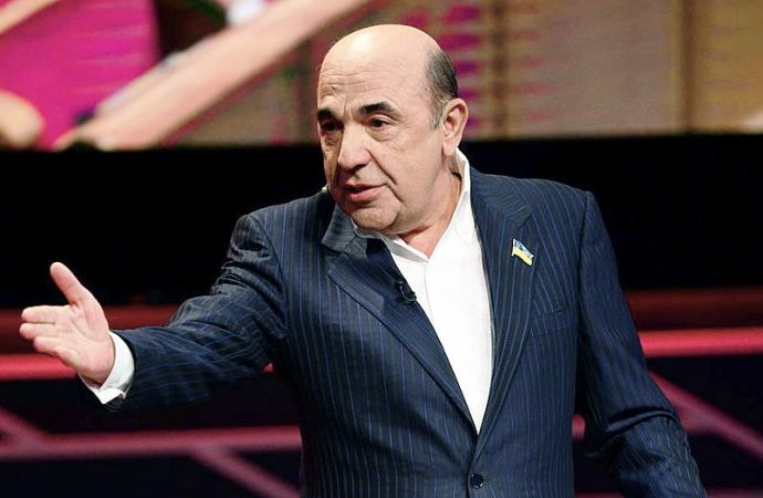 Почему в Украине хотят закрыть два телеканала? (мнение)