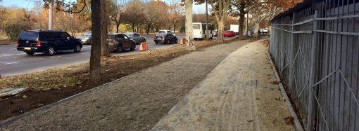 Капремонт тротуара по улице Краснова идёт по плану