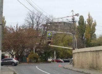 В Одессе засветился еще один пешеходный переход